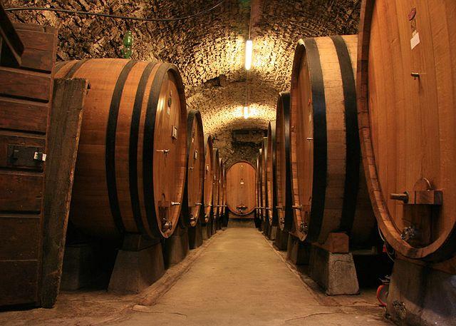 640px Large botti size oak barrels in Chianti