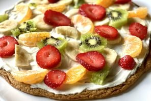 Hope's Texan Fruit Pizza